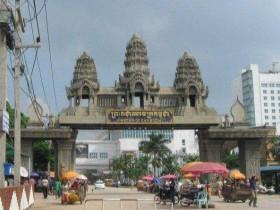 柬埔寨边城少女50美元任人挑选 成中国游客聚集地