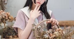"""萌妹cos初中生, 看清她的""""初恋腿"""", 网友: 糟糕, 血压又高了"""
